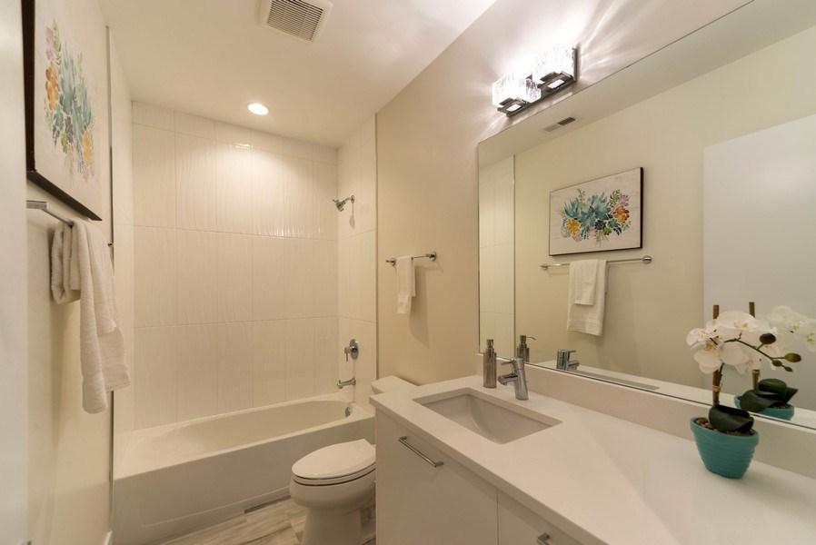Real Estate Photography - 1220 W OHIO STREET 1, CHICAGO, IL, 60642 - Bathroom