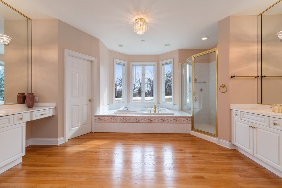 Real Estate Photography - 20945 N Swansway, Deer Park, IL, 60010 - Master Bathroom