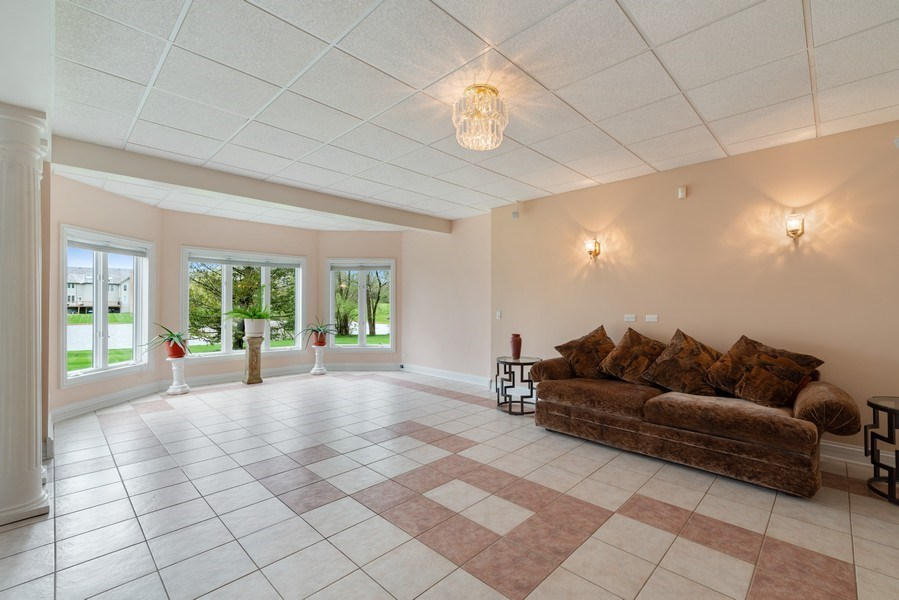 Real Estate Photography - 20945 N Swansway, Deer Park, IL, 60010 -