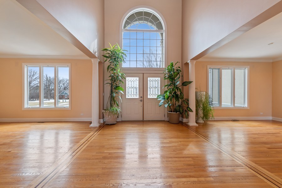 Real Estate Photography - 20945 N Swansway, Deer Park, IL, 60010 - Foyer