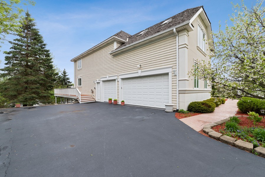 Real Estate Photography - 20945 N Swansway, Deer Park, IL, 60010 - Garage