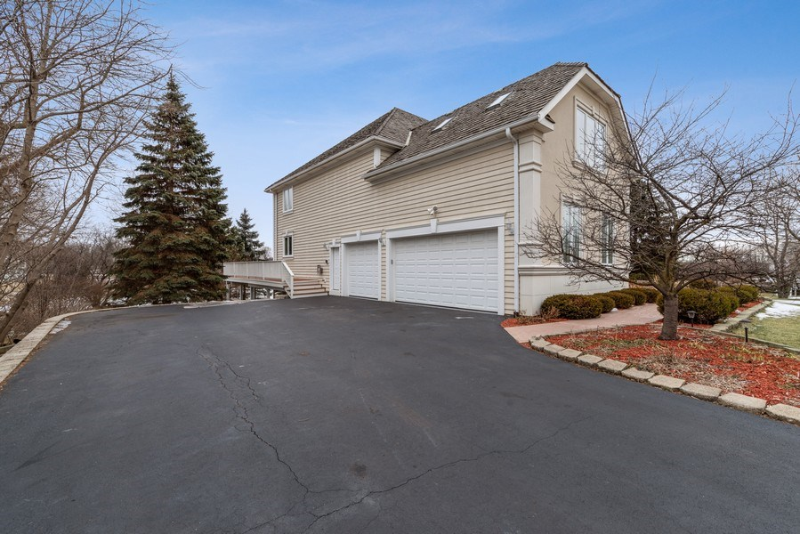 Real Estate Photography - 20945 N Swansway, Deer Park, IL, 60010 - Side View
