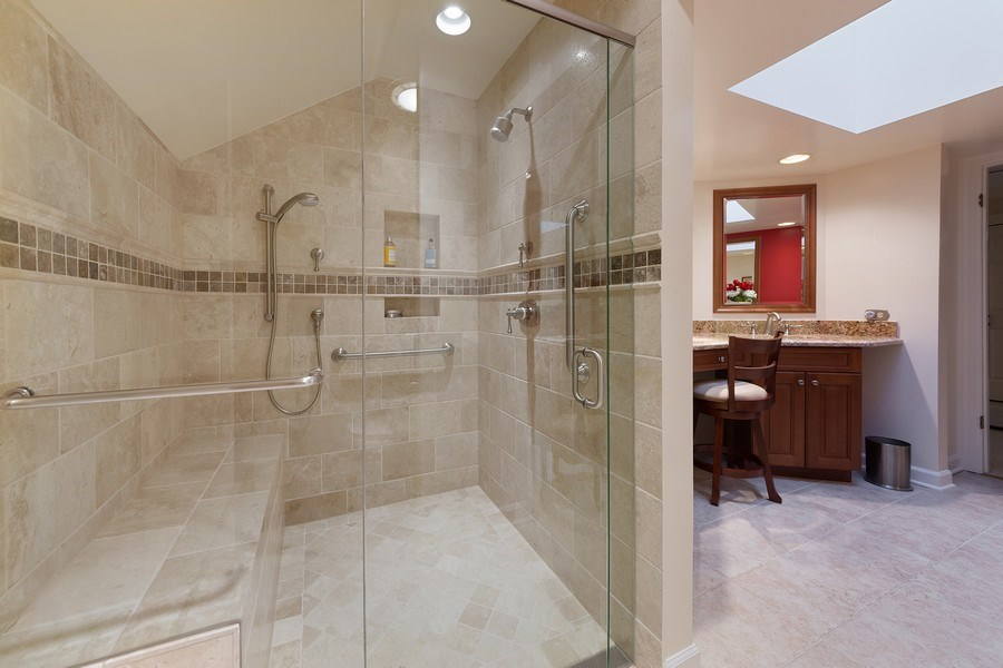 Real Estate Photography - 2 Court of Natchez, Lincolnshire, IL, 60069 - Master Bathroom