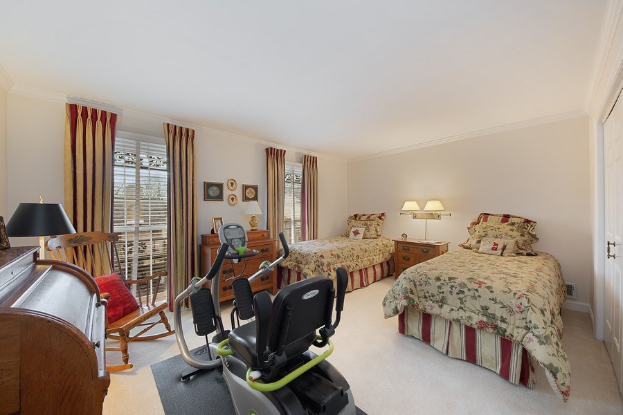 Real Estate Photography - 2 Court of Natchez, Lincolnshire, IL, 60069 - 2nd Bedroom