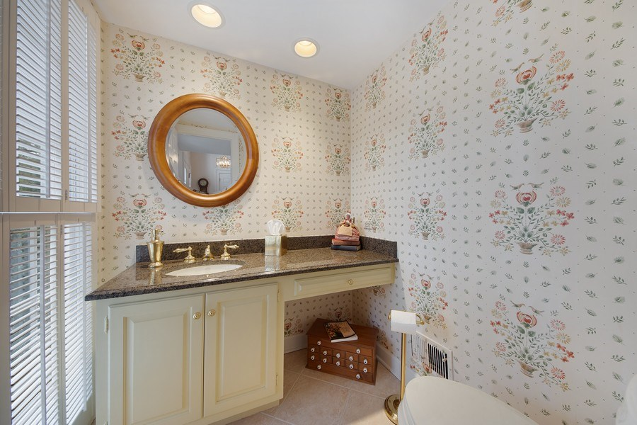 Real Estate Photography - 2 Court of Natchez, Lincolnshire, IL, 60069 - Powder Room