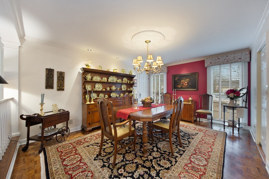 Real Estate Photography - 2 Court of Natchez, Lincolnshire, IL, 60069 - Dining Room