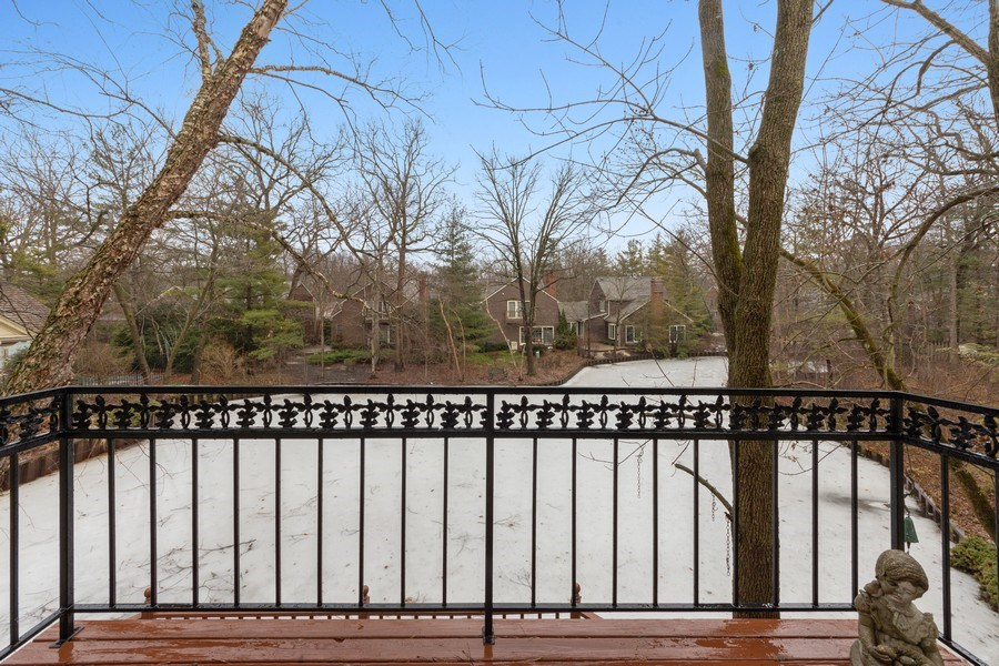 Real Estate Photography - 2 Court of Natchez, Lincolnshire, IL, 60069 - Balcony