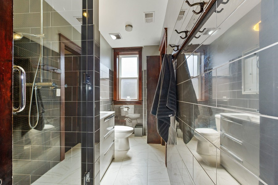 Real Estate Photography - 4541 S Michigan Ave, Chicago, IL, 60653 - 2nd Bathroom