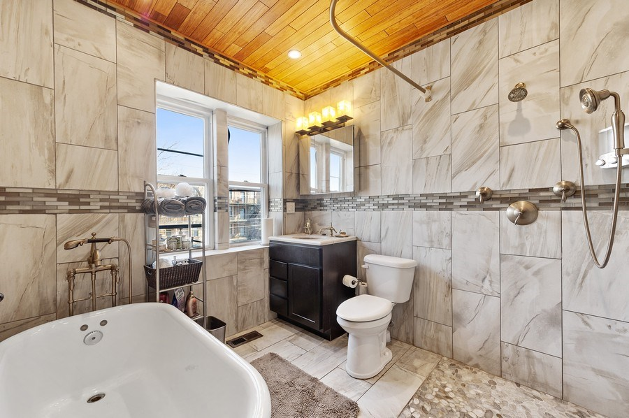 Real Estate Photography - 4541 S Michigan Ave, Chicago, IL, 60653 - Coach  House Master Bathroom