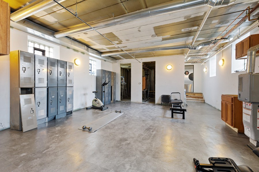 Real Estate Photography - 4541 S Michigan Ave, Chicago, IL, 60653 - Basement, gym