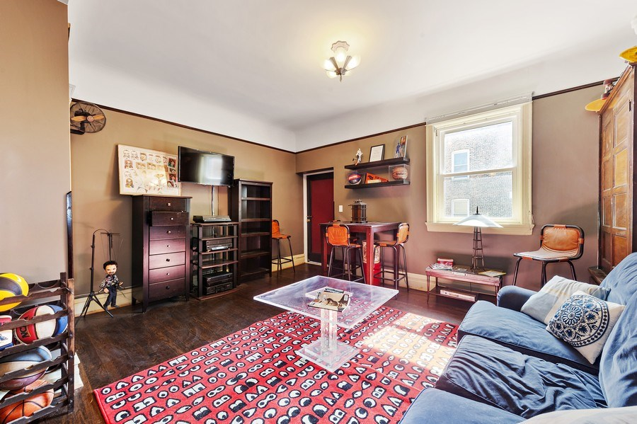 Real Estate Photography - 4541 S Michigan Ave, Chicago, IL, 60653 - Den
