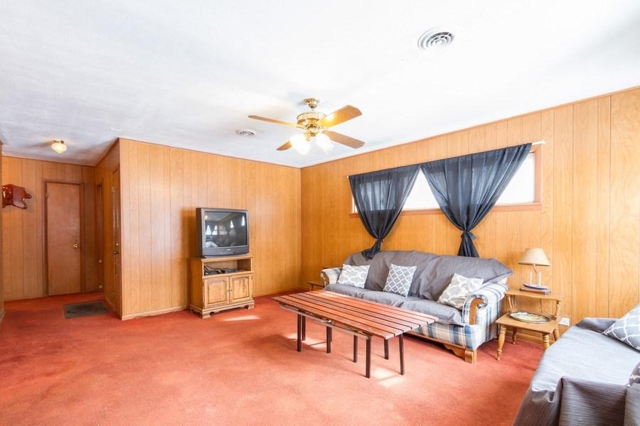 Real Estate Photography - N1520 Shore Haven Dr, Lake Geneva, WI, 53147 - Living Room