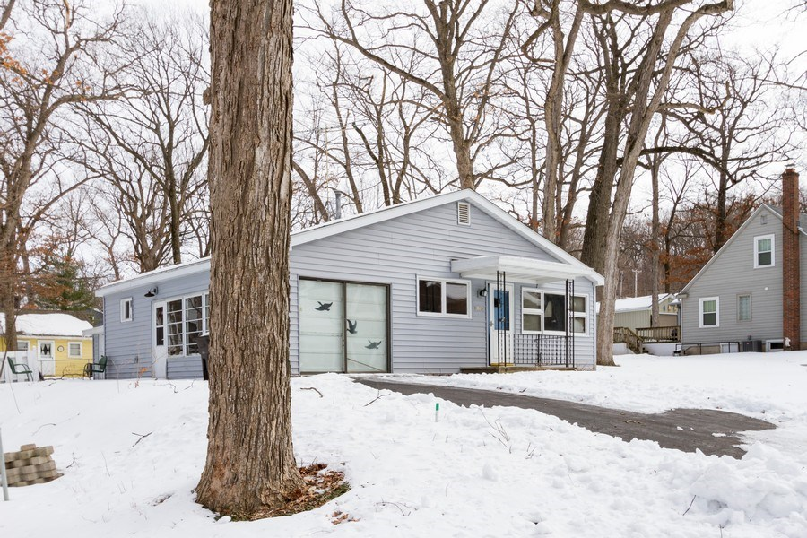 Real Estate Photography - N1520 Shore Haven Dr, Lake Geneva, WI, 53147 - Side View