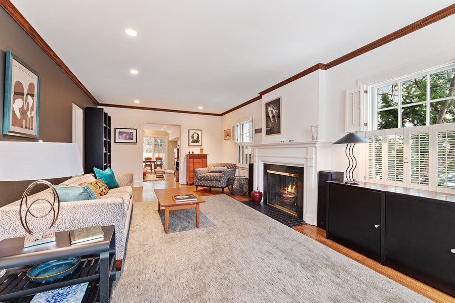 Real Estate Photography - 1725 Maplewood Ln, Glenview, IL, 60025 - Living Room