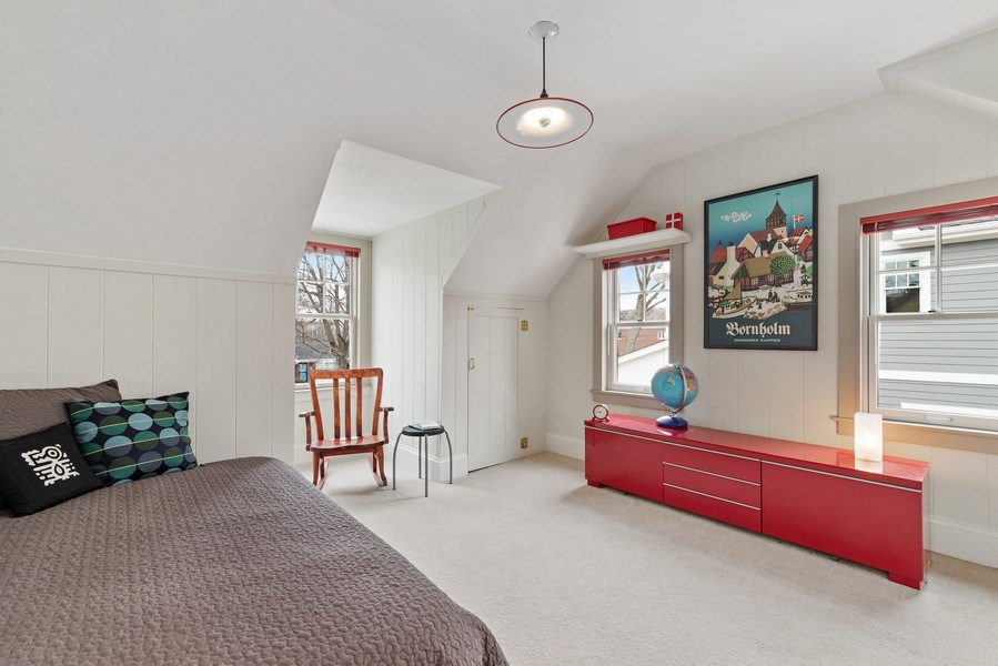Real Estate Photography - 1725 Maplewood Ln, Glenview, IL, 60025 - 3rd Bedroom