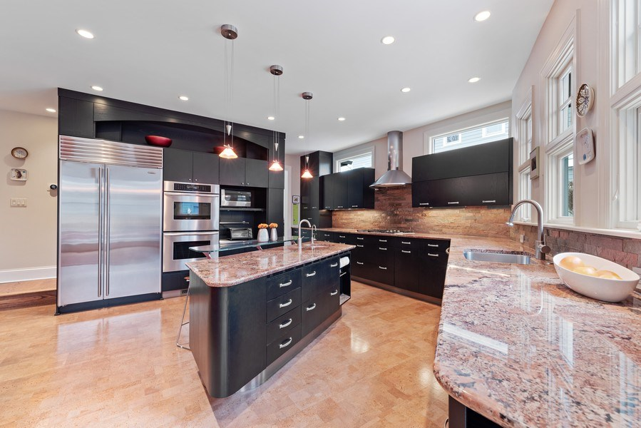 Real Estate Photography - 1725 Maplewood Ln, Glenview, IL, 60025 - Kitchen