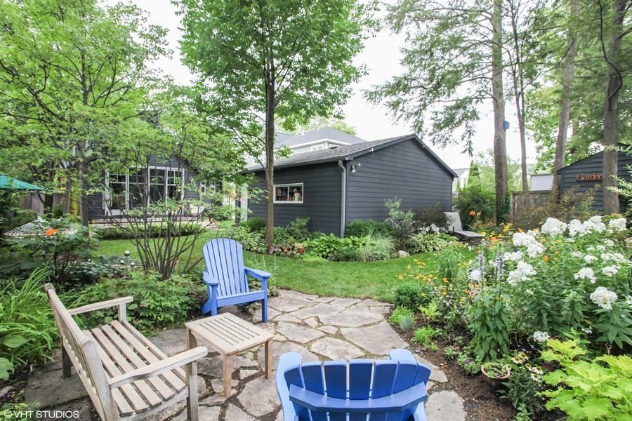 Real Estate Photography - 1725 Maplewood Ln, Glenview, IL, 60025 -