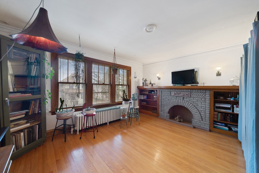 Real Estate Photography - 4042 N Springfield, Chicago, IL, 60618 - Unit 2 Living Room
