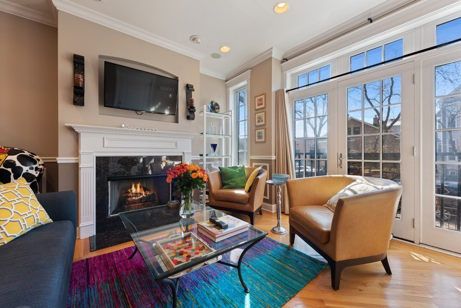 Real Estate Photography - 3731 N. Clifton Ave., #1, Chicago, IL, 60613 - Living Room