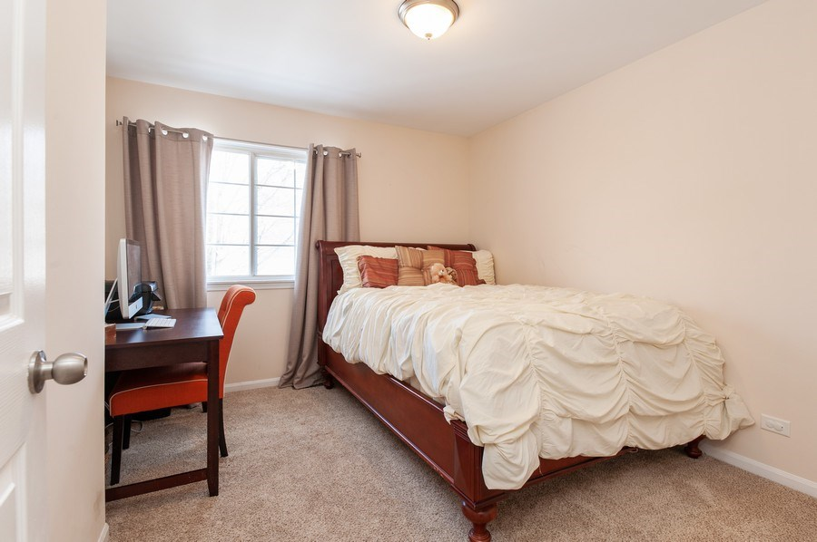 Real Estate Photography - 1068 Talbot Ln, Grayslake, IL, 60030 - Guest Bedroom