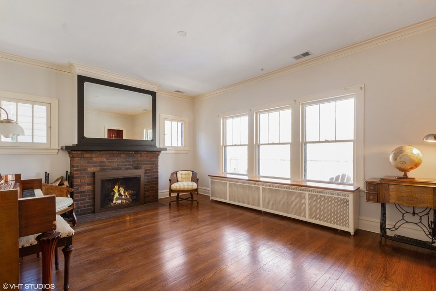 Real Estate Photography - 2108 Grant Street, Evanston, IL, 60201 - Living Room