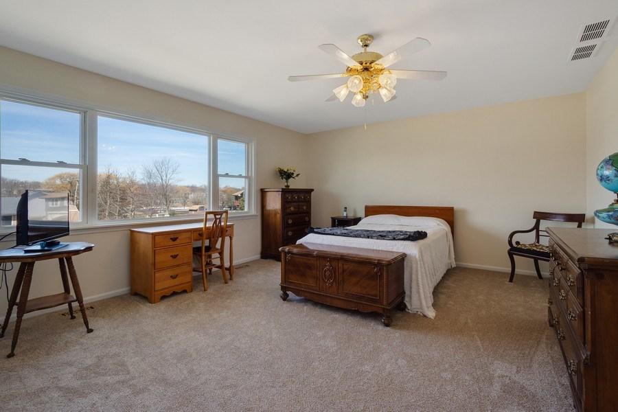 Real Estate Photography - 1721 Glen Lake Rd, Hoffman Estates, IL, 60169 - Master Bedroom