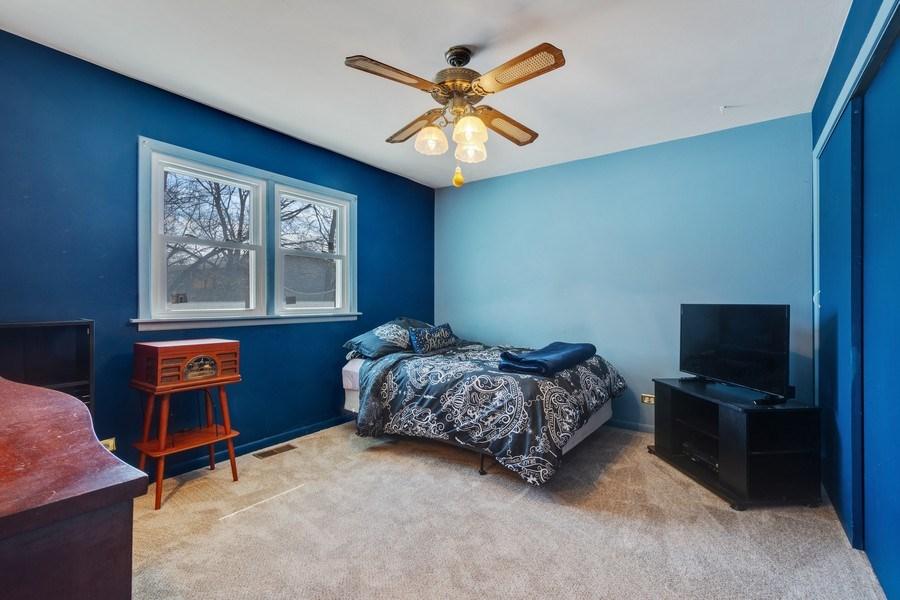Real Estate Photography - 1721 Glen Lake Rd, Hoffman Estates, IL, 60169 - 4th Bedroom