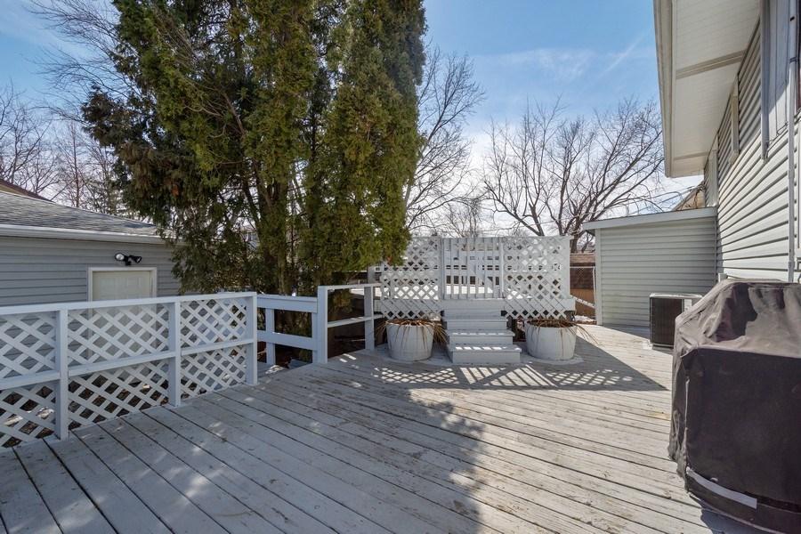 Real Estate Photography - 1721 Glen Lake Rd, Hoffman Estates, IL, 60169 - Deck