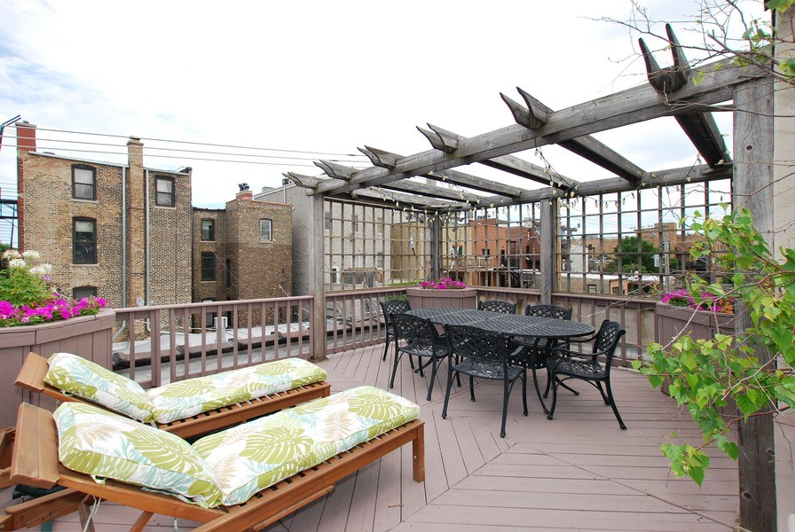 Real Estate Photography - 1217 W Webster, Chicago, IL, 60614 - Former Deck-see what is possible