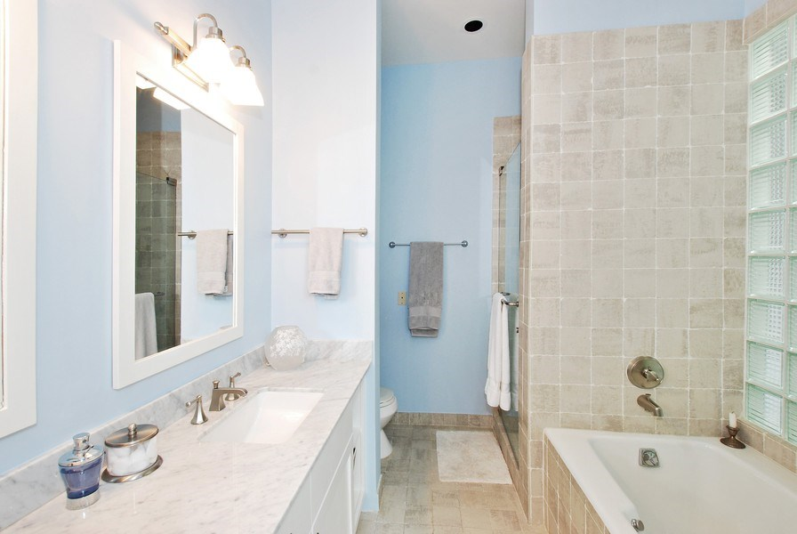 Real Estate Photography - 1217 W Webster, Chicago, IL, 60614 - Master Bathroom