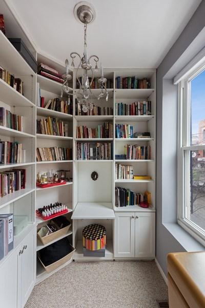 Real Estate Photography - 1217 W Webster, Chicago, IL, 60614 - Master Bedroom Nook