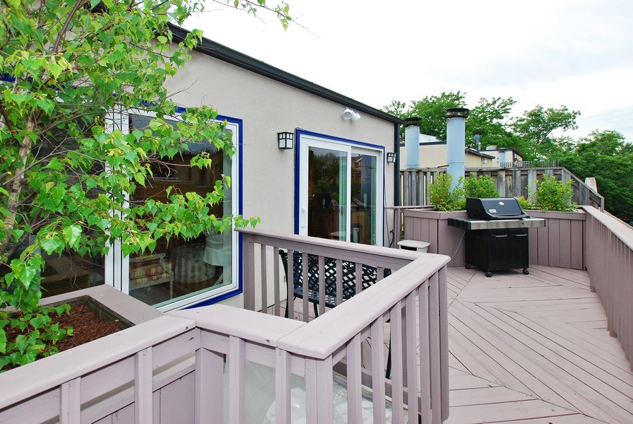Real Estate Photography - 1217 W Webster, Chicago, IL, 60614 - Deck