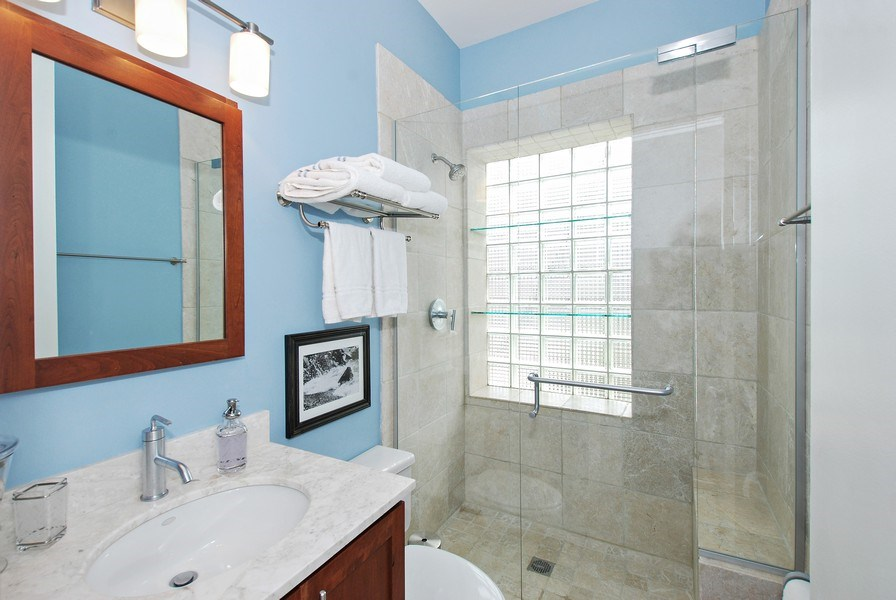 Real Estate Photography - 1217 W Webster, Chicago, IL, 60614 - Bathroom