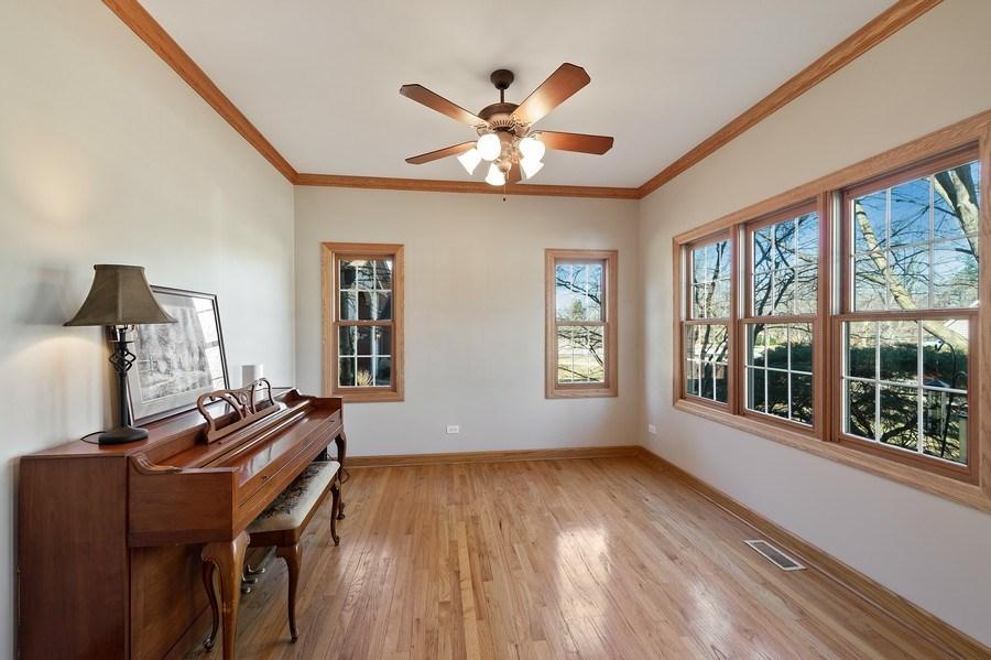 Real Estate Photography - 669 Buena Vista Dr, Glen Ellyn, IL, 60137 - Bonus Room