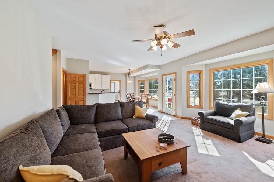 Real Estate Photography - 669 Buena Vista Dr, Glen Ellyn, IL, 60137 - Living Room