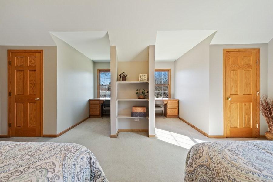 Real Estate Photography - 669 Buena Vista Dr, Glen Ellyn, IL, 60137 - Bedroom