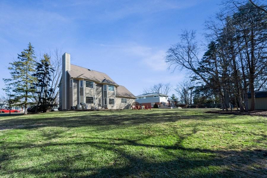Real Estate Photography - 669 Buena Vista Dr, Glen Ellyn, IL, 60137 - Back Yard