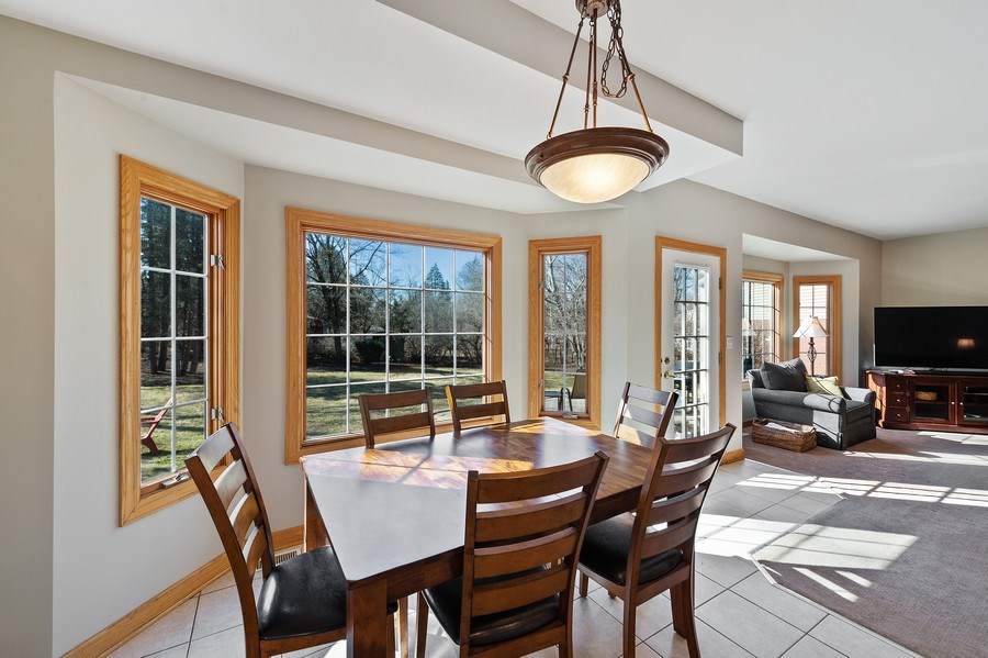 Real Estate Photography - 669 Buena Vista Dr, Glen Ellyn, IL, 60137 - Breakfast Area