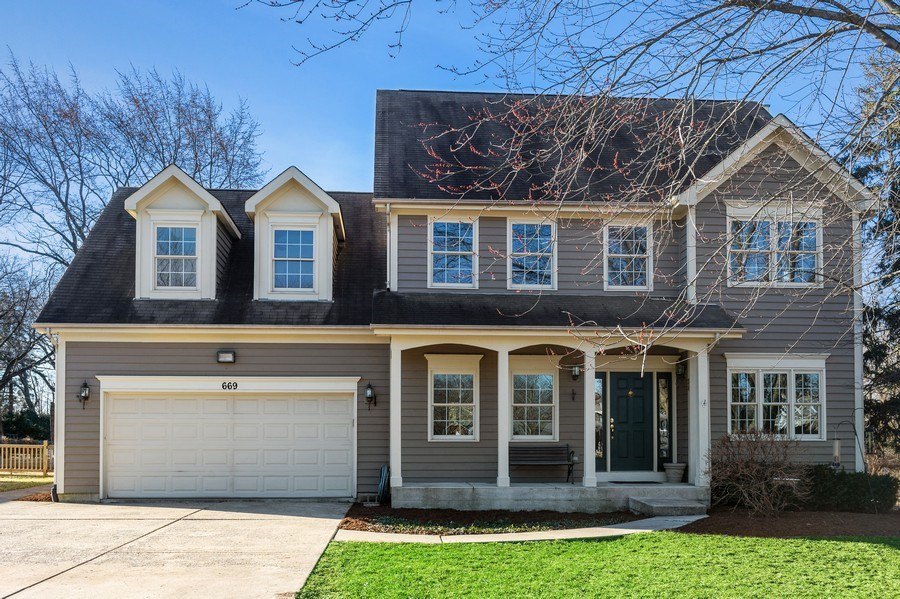 Real Estate Photography - 669 Buena Vista Dr, Glen Ellyn, IL, 60137 - Front View