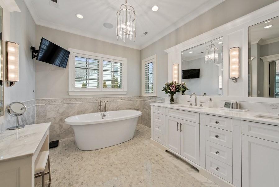 Real Estate Photography - 310 Myrtle St., Winnetka, IL, 60093 - Master Bathroom