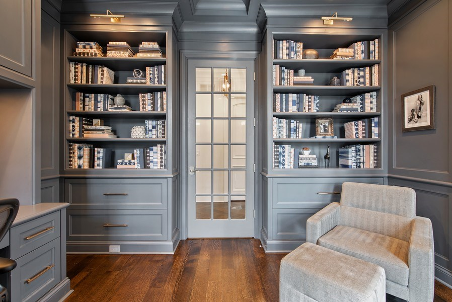 Real Estate Photography - 310 Myrtle St., Winnetka, IL, 60093 - Library
