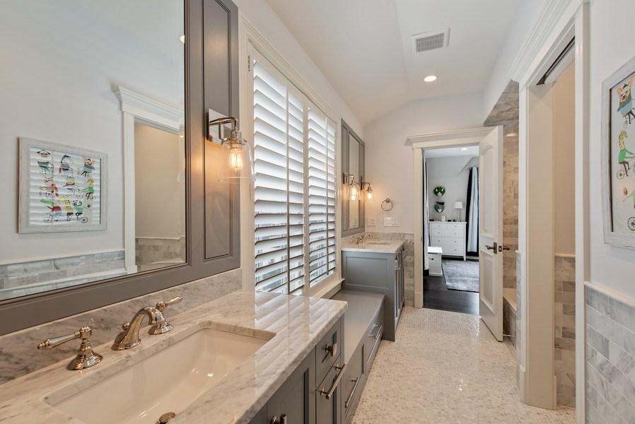Real Estate Photography - 310 Myrtle St., Winnetka, IL, 60093 - 2nd Bathroom
