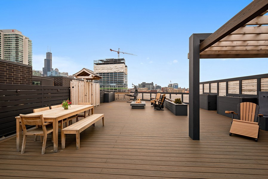 Real Estate Photography - 836 W Hubbard St, Unit 502, Chicago, IL, 60642 - Private roof deck