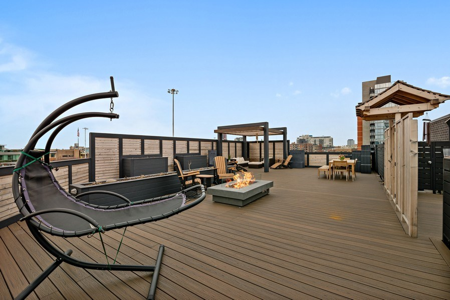 Real Estate Photography - 836 W Hubbard St, Unit 502, Chicago, IL, 60642 - Private 1700 sq ft roof deck