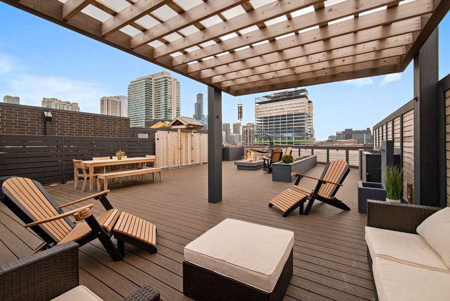 Real Estate Photography - 836 W Hubbard St, Unit 502, Chicago, IL, 60642 -
