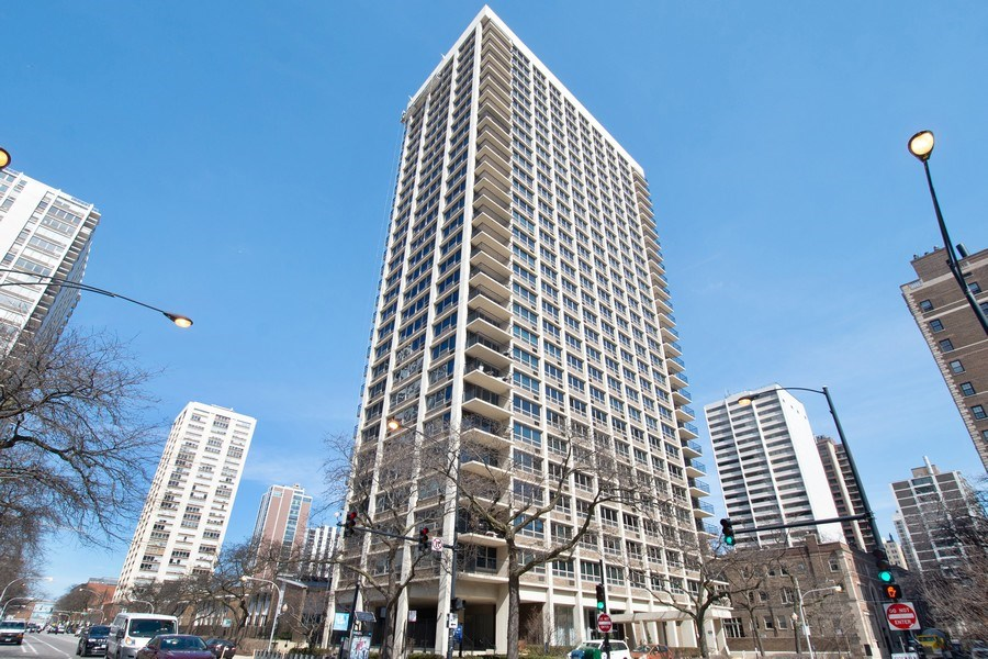 Real Estate Photography - 88 W Schiller St, Unit 1906, Chicago, IL, 60610 - Front View