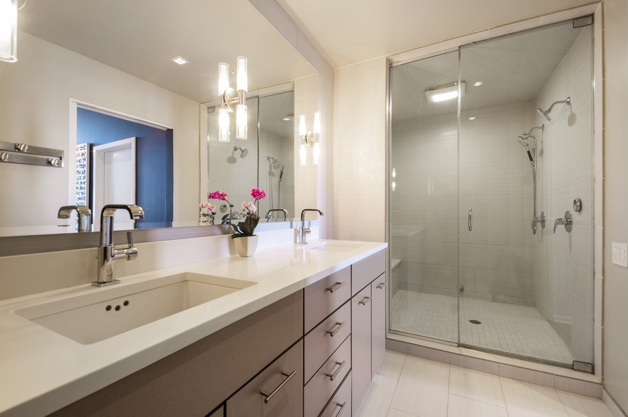 Real Estate Photography - 659 W Randolph, 1801, Chicago, IL, 60661 - Master Bathroom