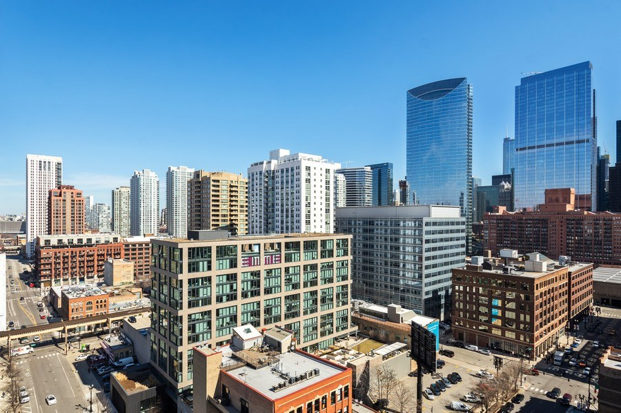 Real Estate Photography - 659 W Randolph, 1801, Chicago, IL, 60661 - View from Unit - North and East
