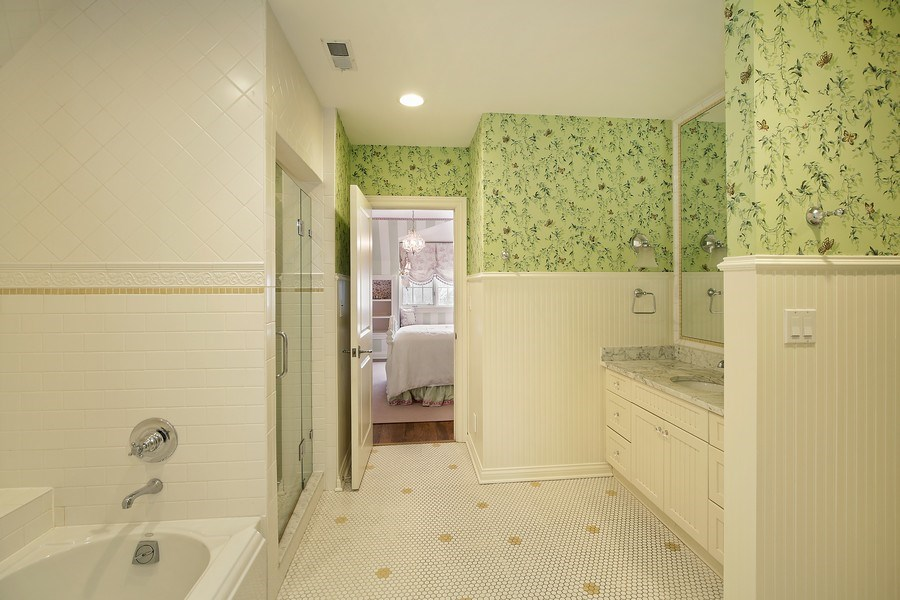Real Estate Photography - 414 Abbotsford Rd, Kenilworth, IL, 60043 -