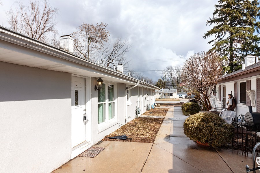 Real Estate Photography - 410 S York Rd, Bensenville, IL, 60106 - Front View